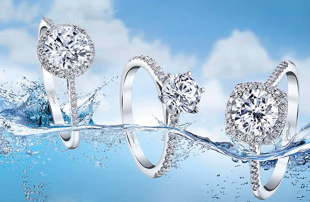 solitaire engagement ring Del Haven Jewelers